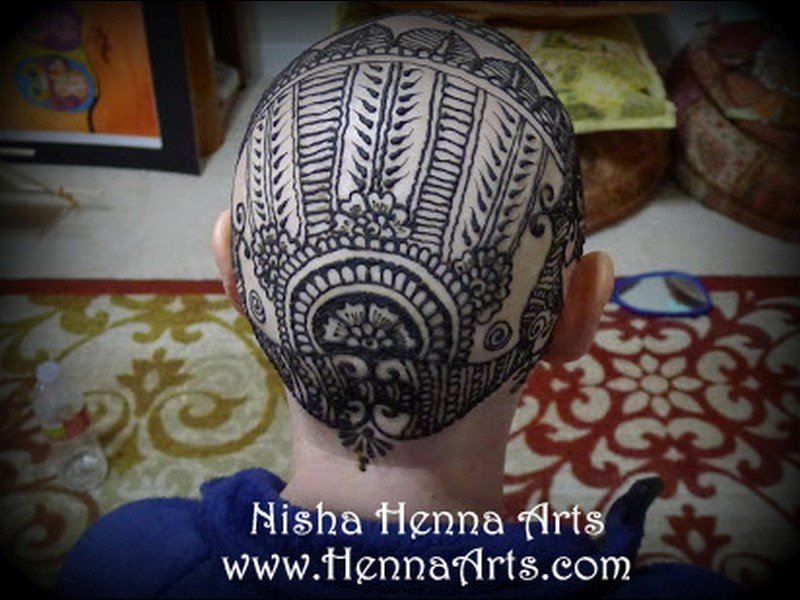 Henna crown straight line patterns