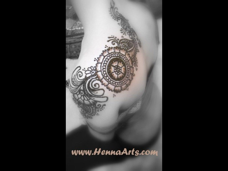 Henna on shoulder