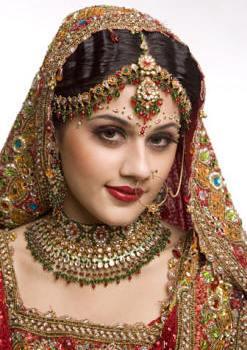 dulhan makeup - mang tikka, naath, Mangal Sutra