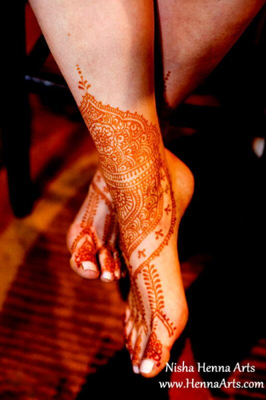 Wedding henna mehndi designs for a bride by Nisha Henna Arts
