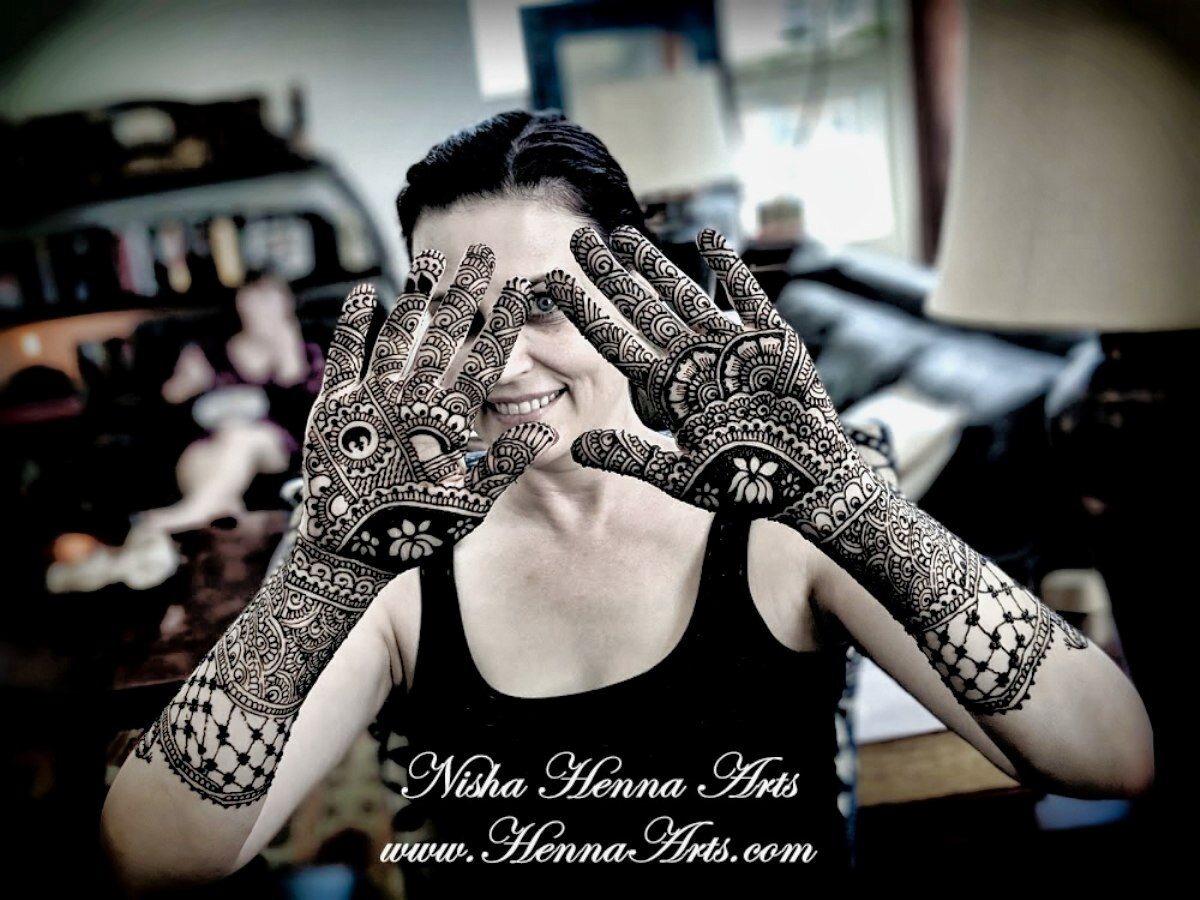 Wedding henna design ideas and mehndi inspirations for a bride by Nisha Henna Arts