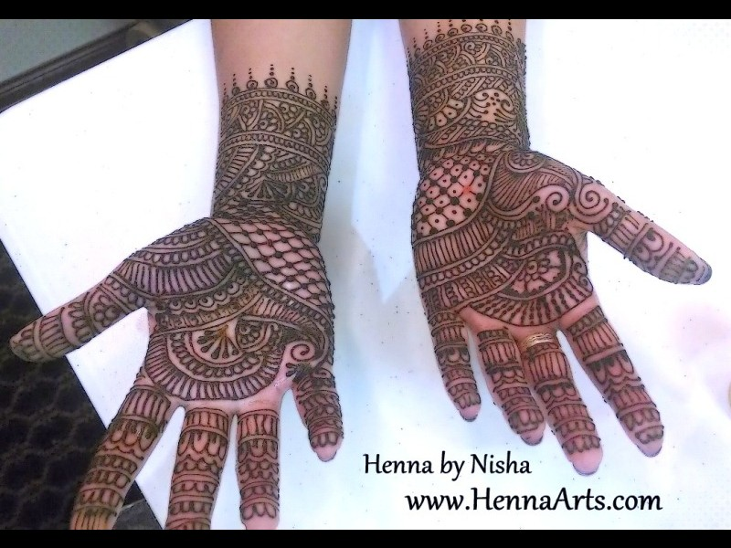 Beautiful Dulhan Mehndi Designs On Hand And Feet